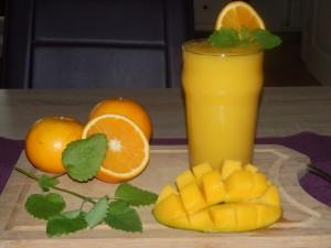 pomaranca mango smuti