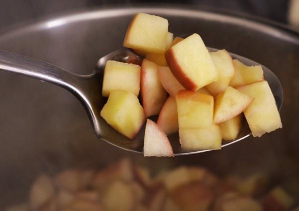 domača jabolčna čežana brez sladkorja